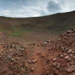 Kratern i vulkanen bredvid